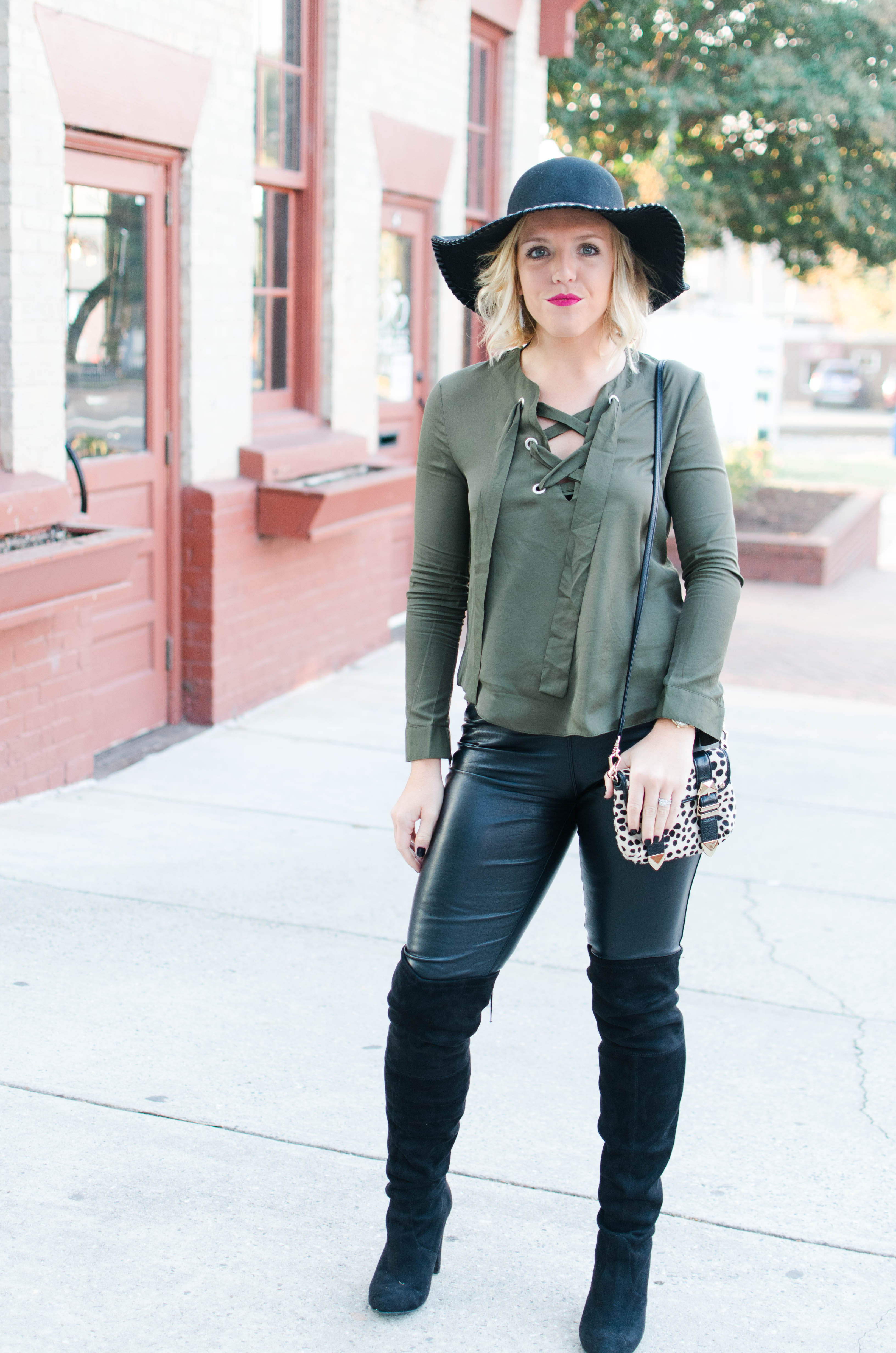 lace-up-top-and-hat